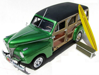 1941 Ford Custom Woody AMT906 Plastbyggsats