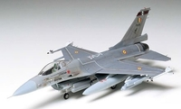 Tamiya 1/72 F-16 FIGHTING FALCON